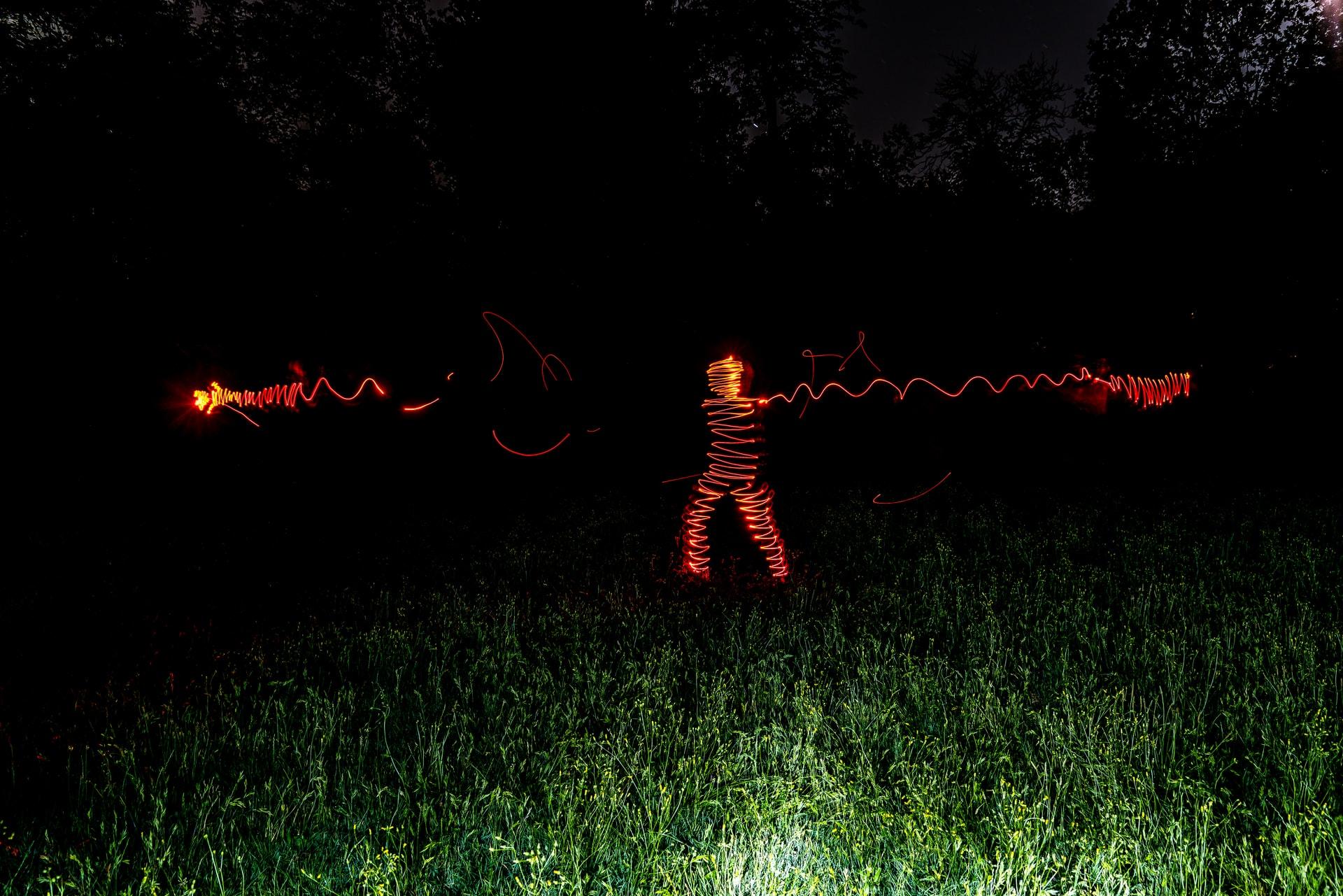 Aliens im Reinhardswald – Ansprache an die protestierenden Bürger